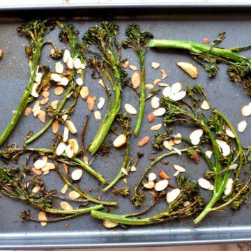 Crispy tenderstem broccoli with sliced almonds