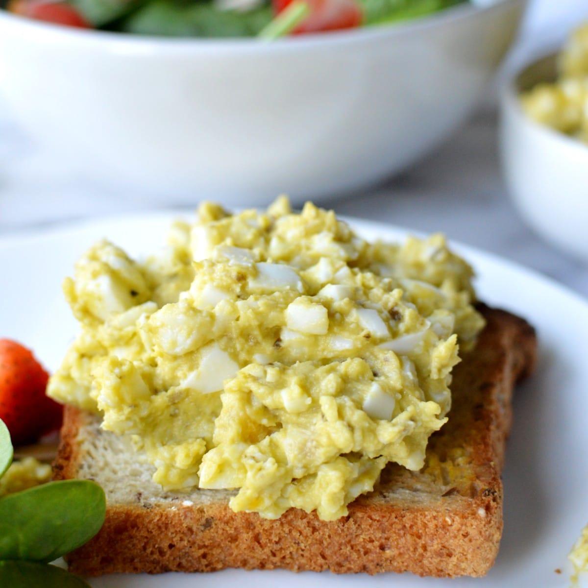 Pesto egg salad on toast