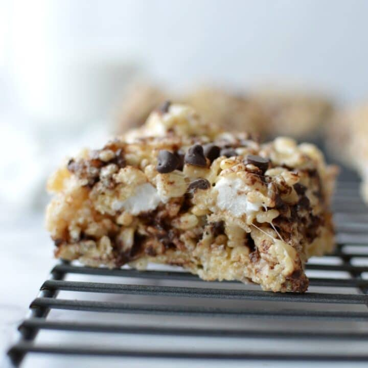 rice krispie treats with chocolate chips